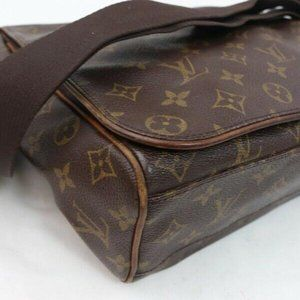 Louis Vuitton Bags - Auth Louis Vuitton Abbesses Crossbody #6253L29